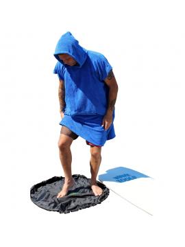 La Surfer Gift Pack: Toalla + Estante de bambú para tablas de surf + Cambiador y cera