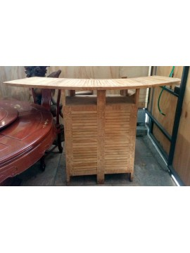 Bar polinesio en madera esculpida